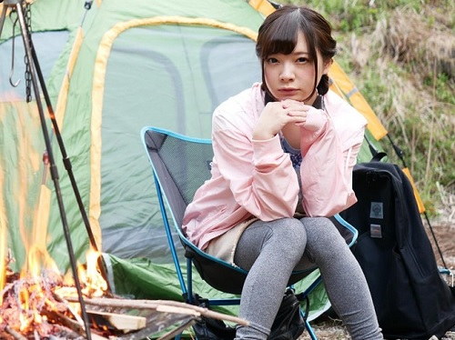 【キャンプ女子ナンパ】「あっ♡だめっ♡気持ちぃぃ♡」スレンダー巨乳おっぱいのソロキャン素人娘を口説いて野外やテントでH!