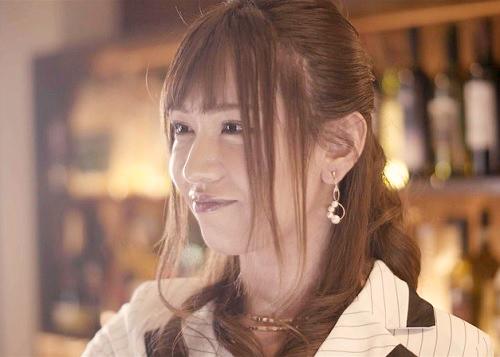 【ニューハーフ】「ハァン♡ペニクリ勃起しちゃってるのぉ♡」チンポ付きの巨乳おっぱいスナックママが店内で激エロな自慰行為w