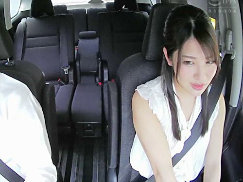 【ドラレコ不倫】「ダメよ…♡」旦那とうまくいってない、超美人なスレンダー美乳おっぱいの人妻と車の中で浮気セックスを盗撮!