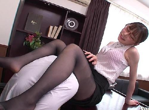 【痴女OL】「どう?♡これで興奮する?♡」積極的に誘惑してくる、知的メガネ、スレンダー巨乳おっぱいの美人お姉さんが抜ける!