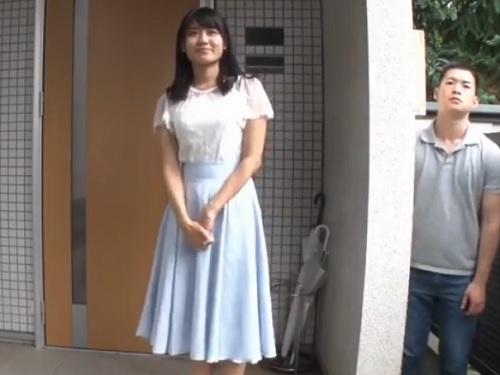 【NTR】「いってらっしゃいっ♡ちゅっ♡」結婚間近、ラブラブなスレンダー巨乳お姉さんが突如現れた元カレに辱められる!!