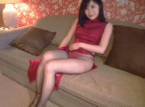 【痴女ハメ撮り】「いっぱい見て・・・♡♡」ムチムチ太もも、黒パンスト美脚、巨乳おっぱいのセクシーお姉さんとSEX!!