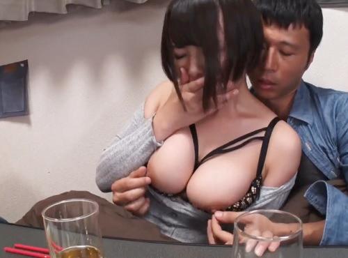 【NTR】「ちょっと…今日だけだからねっ♡」酔いつぶれた男友達の彼女をコタツで寝取り!ムチムチ巨乳おっぱいが超抜ける!!