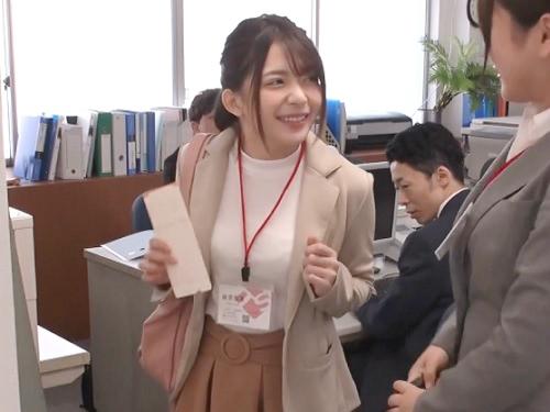 【TSF】「先あがるねーww」毎日定時上がりの女子社員の身体と入れ替わって仕事終わりにオモチャ使って女体オナニーにふける