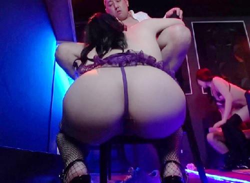《高級ピンサロ》「生で挿れさせてあげるっ♡」VIPなサロンでスレンダー美乳おっぱいお姉さんに口淫奉仕&膣内射精セックス!