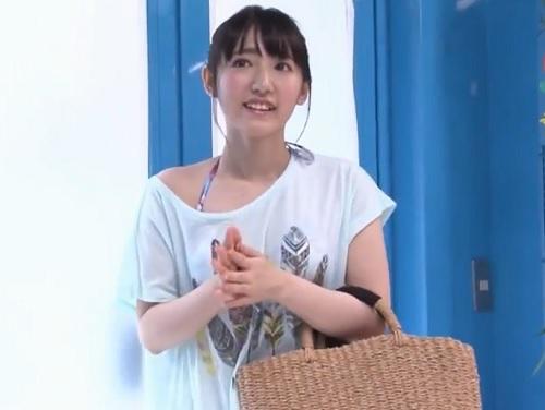 素人ナンパ企画「ひぃ♡凄い気持ちよぉ♡」彼氏連れの可愛い美少女をビーチでゲット!密着泡マッサからのHで彼氏からNTR!!
